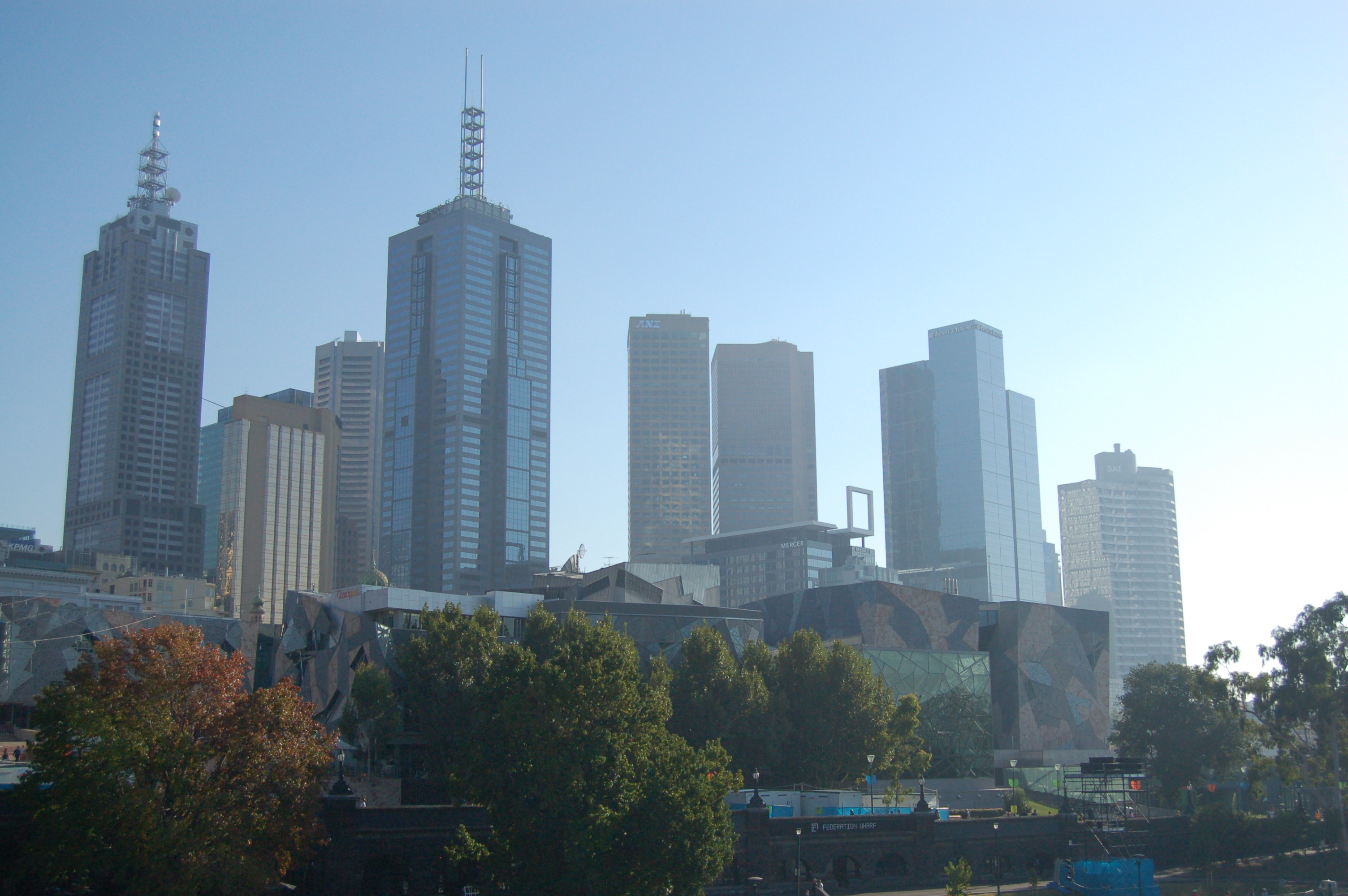 Melbourne_City_Misty_Skyline_Federation_Square